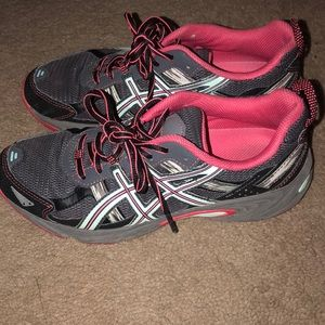Womens Asics tennis shoes size 8.5 wide